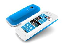 """De eerste échte Windows Phone is de Nokia Lumia 800"""