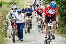 208 ict-fietsers voor 'Bike to close the gap'