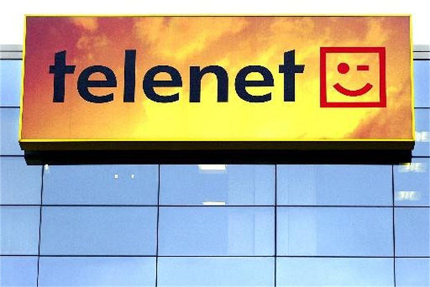 Telenet neemt Base over