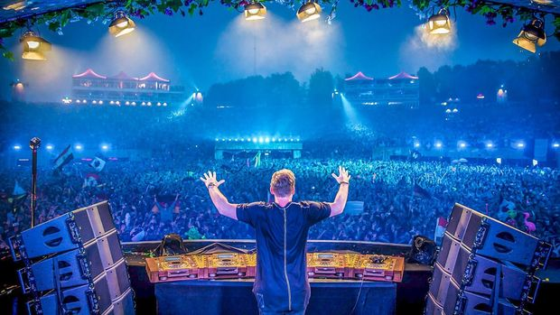 Combell neemt hostingpartner Tomorrowland over