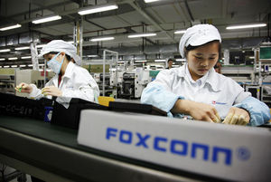 'Apple-leverancier Foxconn zet mes in kosten'