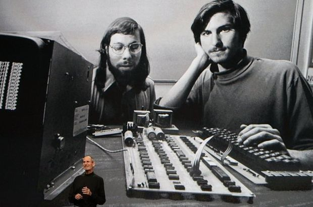 Steve Wozniak en Steve Jobs kort na de oprichting van Apple., .